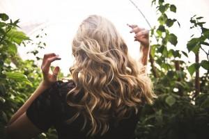 染燙後的頭髮容易乾澀